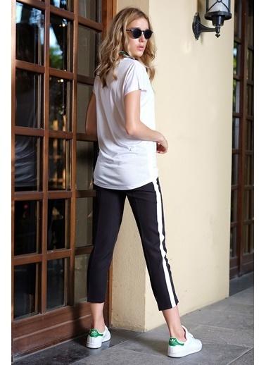 İroni Şeritli Dar Paça Pantolon Siyah